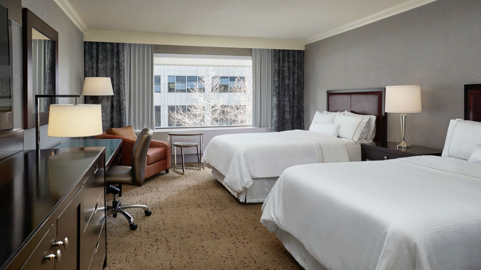 The Westin Calgary- Business Room