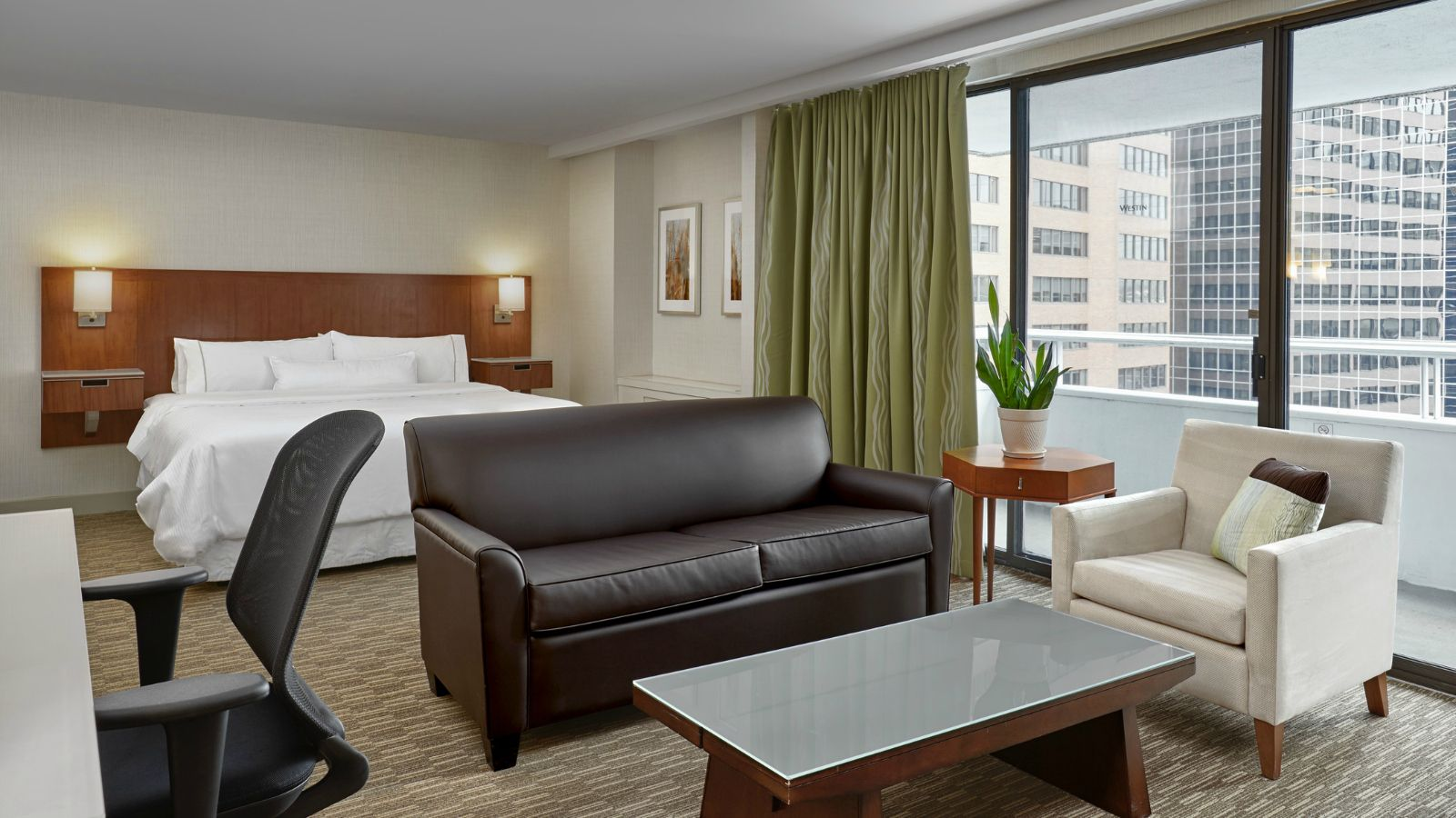 The Westin Calgary - Executive Junior Suites